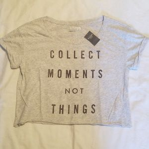 Tops - NWT Abercrombie Crop t-shirt